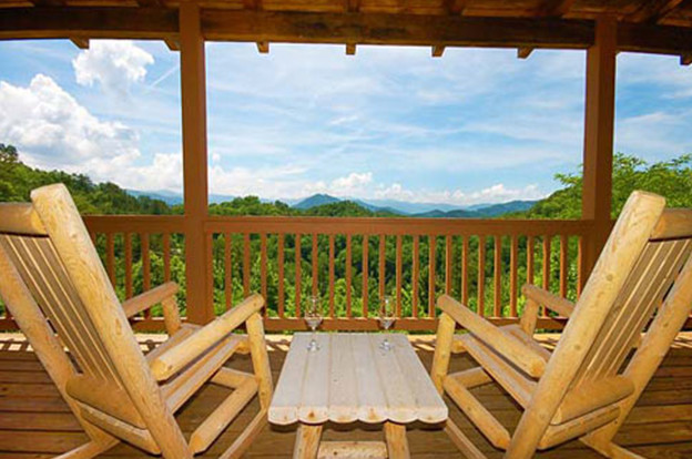 3 Amazing Things About Our 4 Bedroom Cabins in Pigeon Forge TN