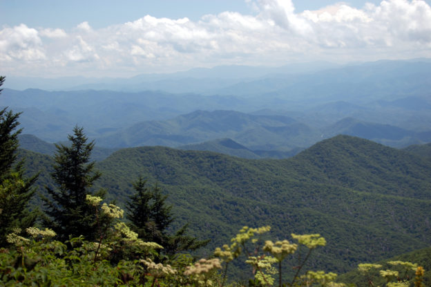 Breathtaking photo of the Smoky Mountains.