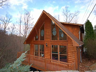 Exterior of one of our best cabins to rent in the Smokies